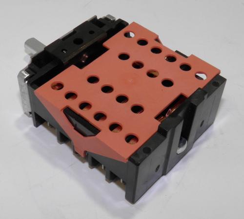 Переключатель для электроплиты Indesit EGO 46.27266.817 C00094902