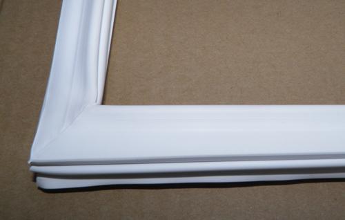 Уплотнение холодильной витрины Snaige CD350 (устанавливается на комплектацию с двумя дверями)