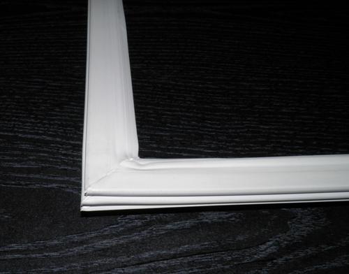 Резина на двери холодильника Снайге RF27, RF28, RF32, RF36 (на холодильное отделение)