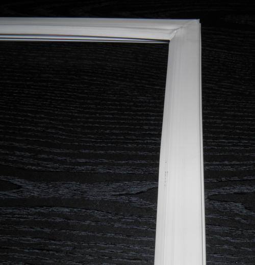 Уплотнение дверей Snaige RF35, RF46 (на морозильную камеру)